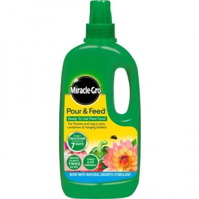 Miracle-Gro® Pour & Feed™ Ready to Use Plant Food 1 ltr