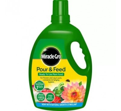 Miracle-Gro Improved Pour & Feed 3ltr