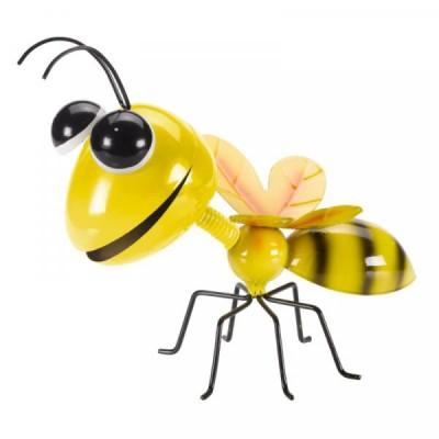 Hanging on Buzee Bee