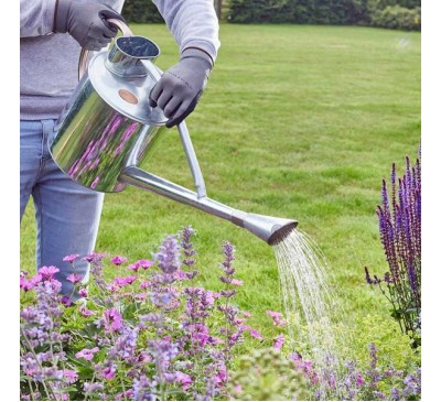 Long Reach Watering Can – 9 Litre