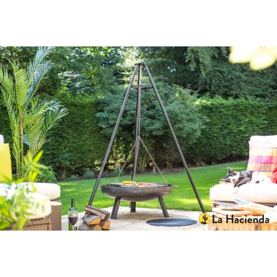 Tripod With Adjustable Hanging Grill